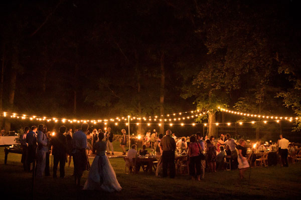 String Lights For Wedding : Hourglass Entertainment - Barn Lighting / String Lights Hourglass Lighting takes pride in ...